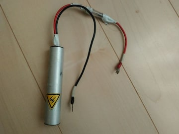 ダイナマイト型バッテリー調整?場所を取らないコンパクト型