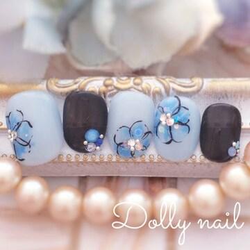 みぢょ!チビ爪ベリショ爽やかブルー花柄シアーブラックネイル