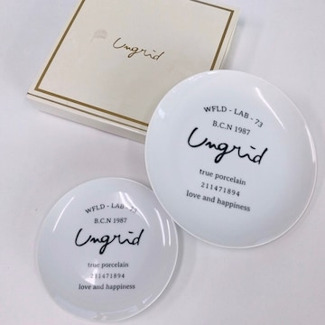 ◆ungrid/アングリッド◆新品!!ノベルティ★ロゴ入りプレート2枚セット♪お皿