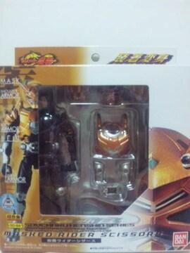 新品即決!装着変身仮面ライダーシザース