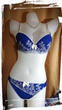 �E B75/M 青 ローズ刺繍 ブラジャーショーツセット 素敵 薔薇 パンティー ブルー