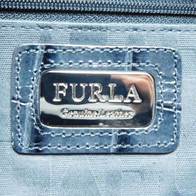 FURLAフルラ ショルダーバッグ 型押しレザー 濃紺 良品 正規品 < ブランドの