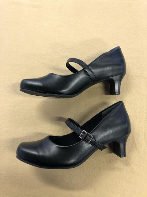 新品☆24.5cm幅広4E黒ミドルヒールストラップつきパンプス☆d268 < 女性ファッションの
