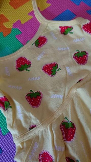 ANAPkids☆新品同様☆イチゴ柄のワンピ☆size100 < ブランドの