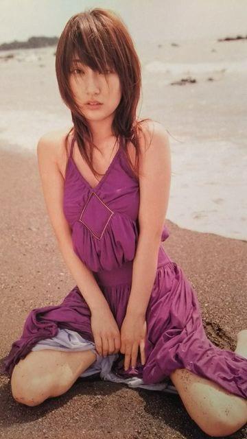 熊田曜子【週刊文春】2005.9.29号ページ切り取り  < タレントグッズの