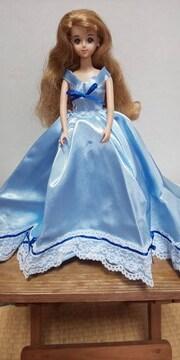 ジェニーちゃん水色のサテンロングドレス
