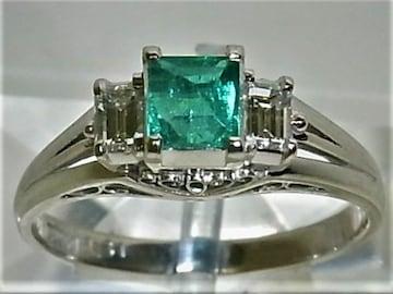 Pt900プラチナリング 指輪 エメラルド0.57ct 角ダイヤ2ヶ0.31ct