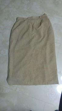 黄土色スカート