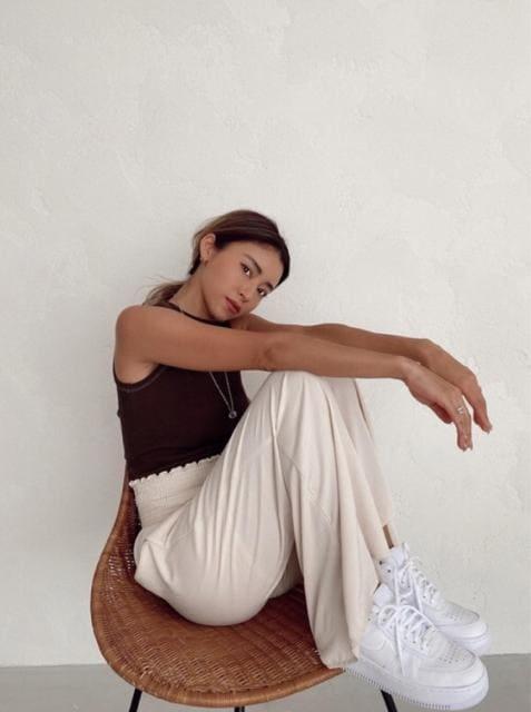 ALEXIA STAM コントラストステッチリブタンクトップ < 女性ファッションの