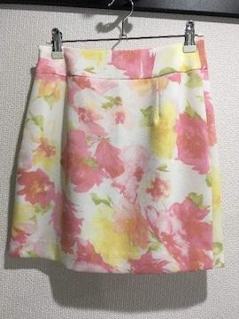 新品タグ付セシルマクビーフラワー花柄タイトミニスカート白ホワイトピンク