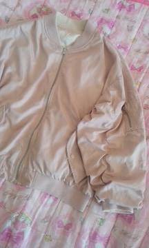 エムズエキサイトボリューム袖が素敵なリバーシブルブルゾンピンク色
