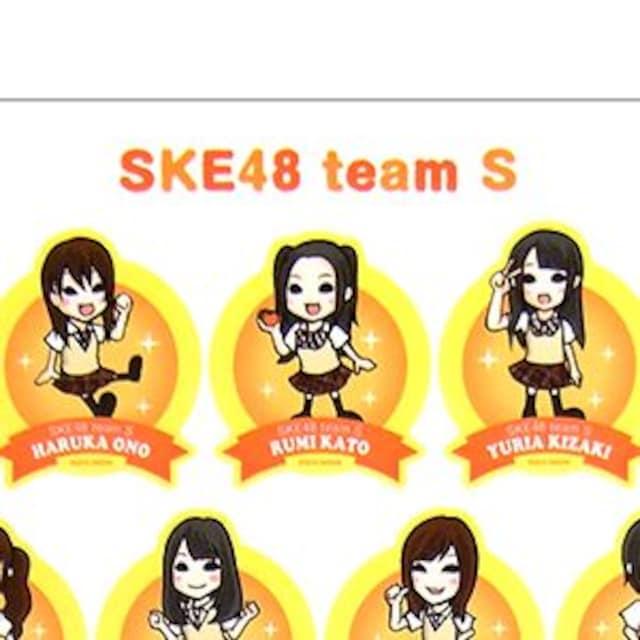 SKE48「汗の量はハンパじゃない!!」ステッカー < タレントグッズの