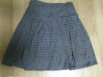 膝丈スカート