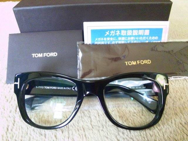 HYDEさん着用【TOM FORD TF5040】