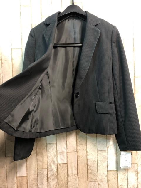 新品☆9号プチ♪黒×ストライプのフレアスカートスーツ☆s849 < 女性ファッションの
