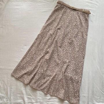 ベルト付き小花柄スカート