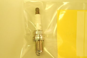NGK R BKR6E−11 1本 未使用ストック品