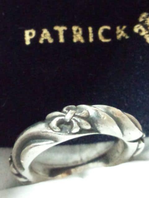 パトリックコックス【PATRICK COX】925SV<ユリの紋章/スクロール>リング 8.5号 < ブランドの