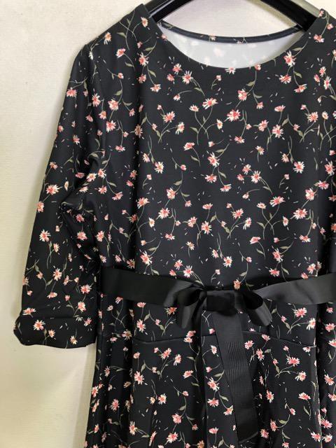 新品☆3L♪花柄ワンピース♪黒系ストレッチ☆f138 < 女性ファッションの