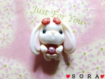 デコパーツ♪樹脂粘土 お花を着けた愛嬌ある たれ耳ワンちゃん/犬