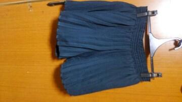 �A 紺のプリ—ツショートパンツ