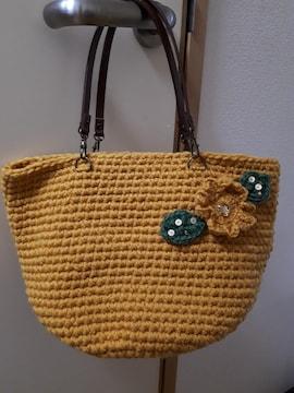 新品ハンドメイド編み物マスタード色と花が可愛い手提げカバン