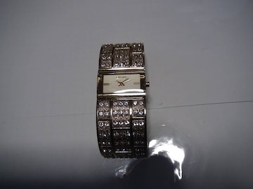 DKNY の腕時計電池式クォーツ 製 動作確認済 !。