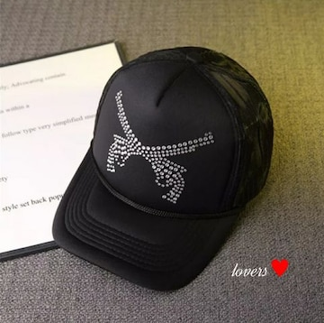 送料無料クロムラインストーン黒ブラック二丁拳銃キャップ帽子