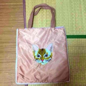 茶トラ猫フェイス刺繍片側ファー切替トートバッグ。ピンク