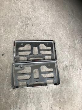 ダイハツ純正オプションメッキナンバーフレーム一台分セット