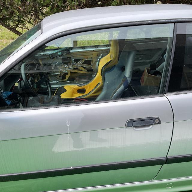 BMW e36 318i 一時抹消登録済 < 自動車/バイク