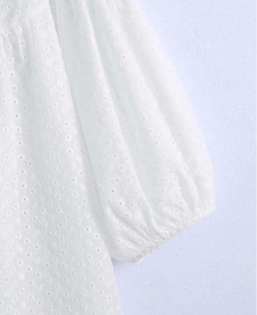 white カットレース 刺繍 ブラウス ZARAお好きな方に★XS < 女性ファッションの