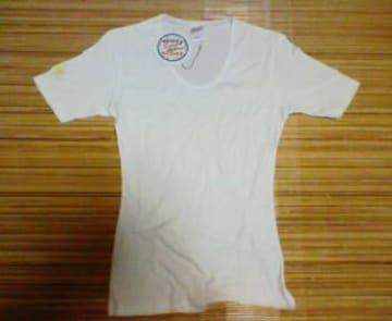 DAISY  デイジー  Tシャツ  白  シンプル  新品未使用