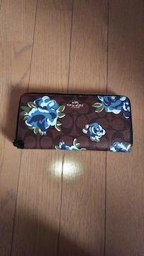 女性 花柄COACH財布
