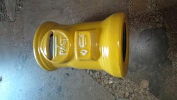 郵便ポスト型の貯金・黄色