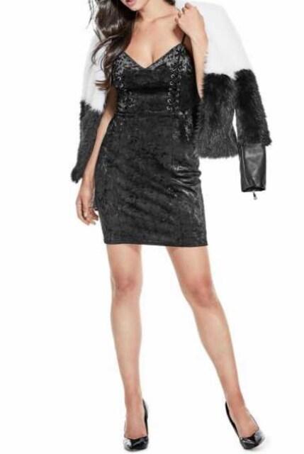 GUESS ジェニファーベルベットドレス < 女性ファッションの