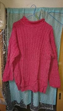 ピンクのもこもこセーター