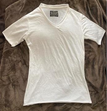 切りっぱなし加工Vネック白Tシャツ(^∇^)