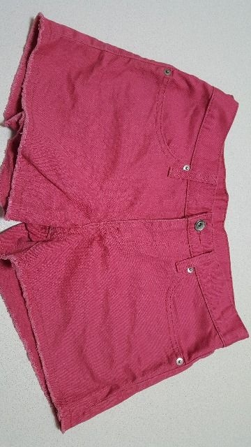 GU★ピンクのショートパンツ(*^^*)ウエスト平置36cm  < 女性ファッションの