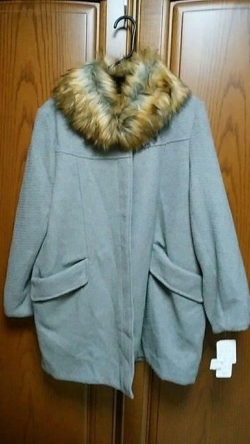 【大きいサイズ】とっても素敵なコート。衿取り外し可能。新品  < 女性ファッションの