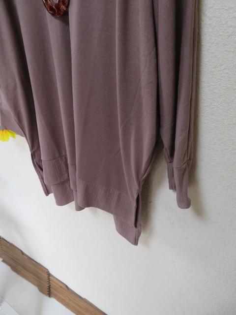 新作☆大きいサイズ☆3Lブラウン系☆肩花柄刺繍☆ストレッチチュニック
