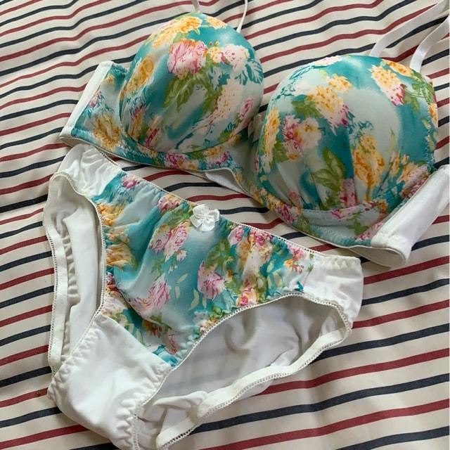 新品 D 75M ブラジャー&ショーツセット グリーン花柄  < 女性ファッションの