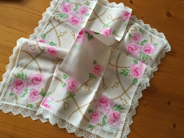 ピンキー&ダイアン レース薔薇柄ハンカチ
