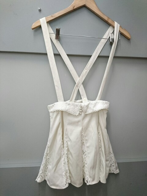 LIZ LISA☆肩紐付き付きスカート  < ブランドの