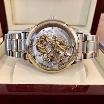 最安値スタート!ゴージャスな龍デザイン!メンズ腕時計・シルバー×コンビ