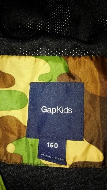 GAPkids 迷彩フード付きウィンドブレーカー  合羽  サイズ160 < ブランドの