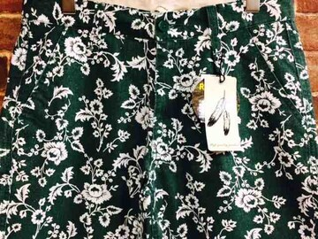 実寸M/新品!花柄 ショートパンツ 緑  サーフ サーファー 総柄 カリフォルニアスタイル