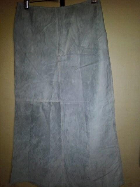 新品 スエード スカート フリーサイズ < 女性ファッションの