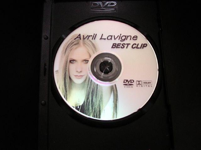 AVRIL LAVIGNE/アヴリルPV集  最新完全版 < タレントグッズの