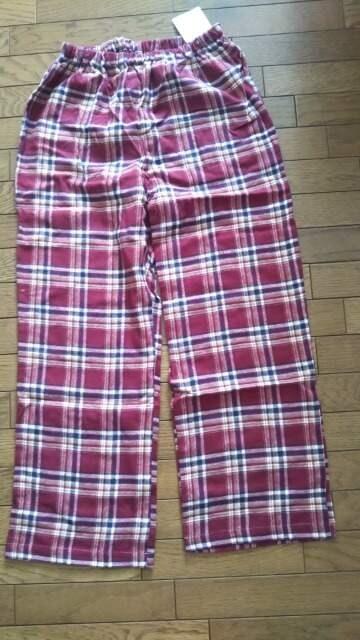 新品、定価2900円のズボンです。  < ブランドの